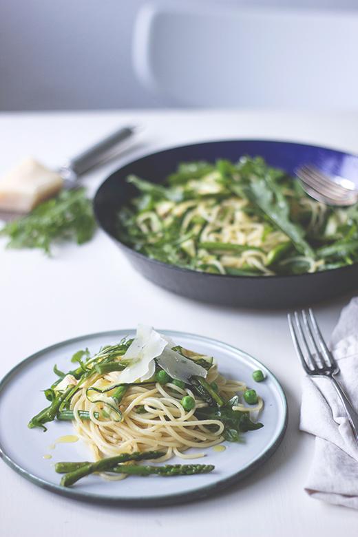 Rezept für schnelle grüne Sommergemüse-Pasta, Foodblog Holunderweg18