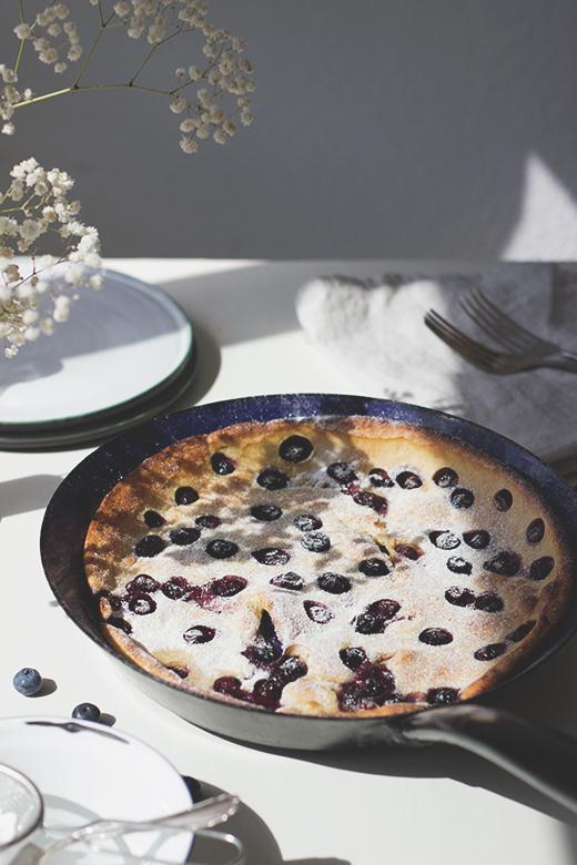 Heidelbeer-Buttermilch-Pfannkuchen aus dem Ofen