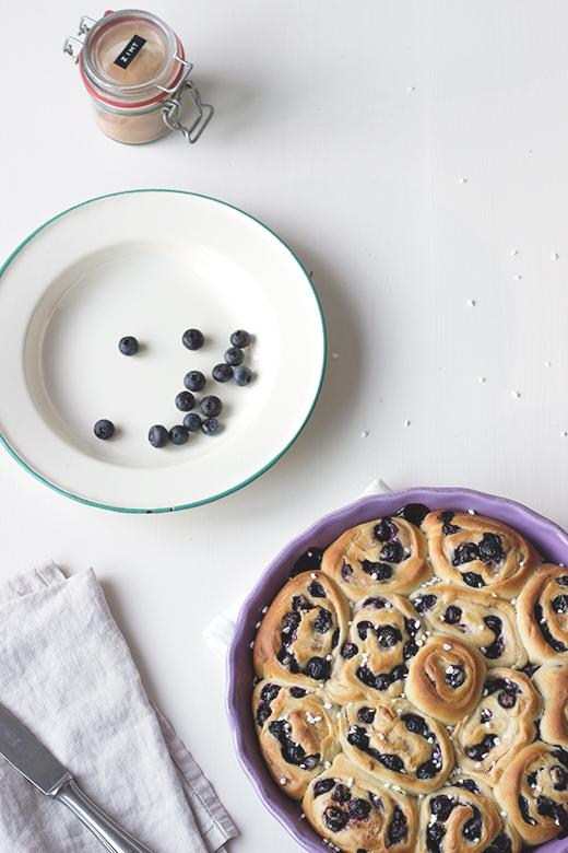 Saftige Blaubeer Zimtschnecken, Rezept, Hefeteig
