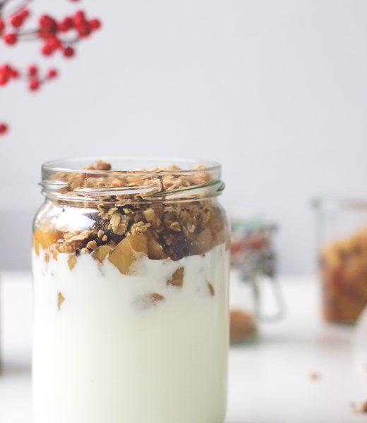 Rezept für selbst gemachtes Knuspermüsli mit Haferflocken, Nüssen und Leinsamen - Granola