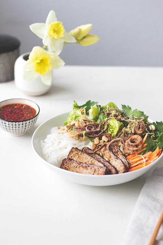 Rezept für vietnamesischen Reisnudelsalat: Bun Cha vegan