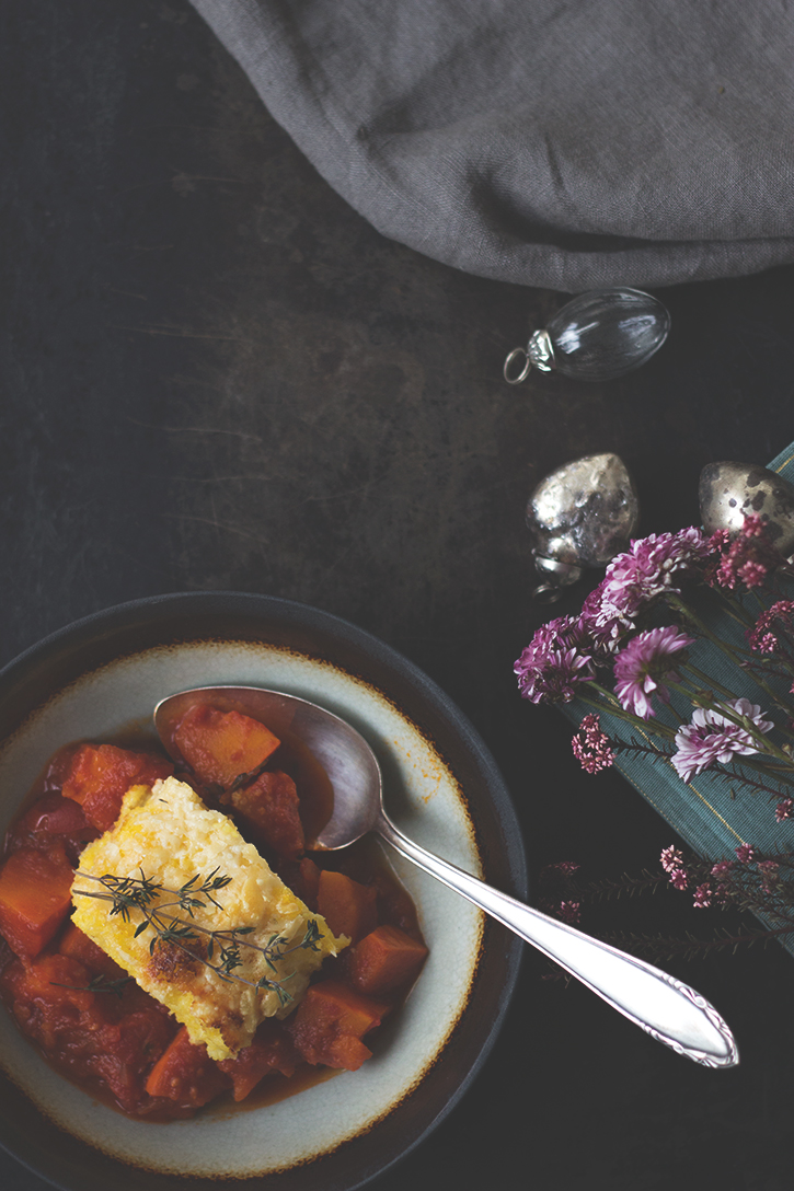 Vegetarisches Rezept für Kürbisragout mit Polenta, gratinierte Polenta. Foodblog Holunderweg 18