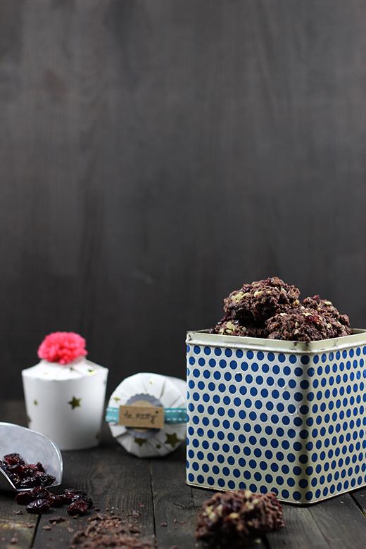 Einfaches Rezept für Schoko-Cranberry-Plätzchen - Weihnachtsplätzchen ohne Ausstechen