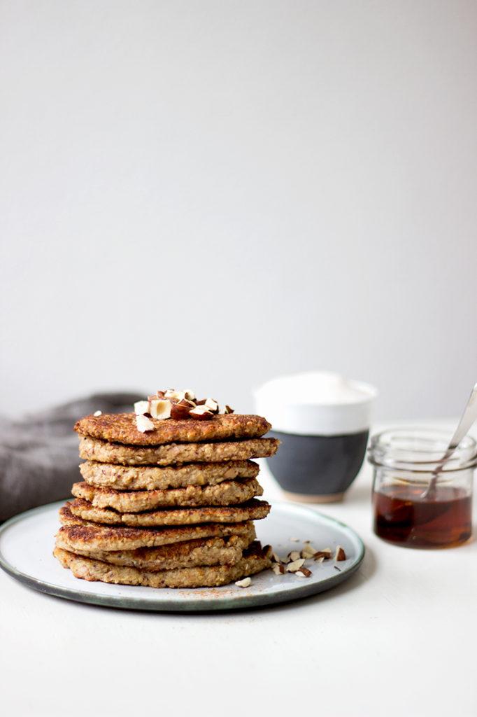 Haferflocken-Bananen-Pfannkuchen - gesundes Frühstück ohne Zucker, Mehl und Eier. Einfach gesund frühstücken