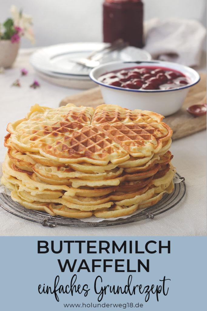 Pinterest: Buttermilch-Waffeln mit heißen Kirschen
