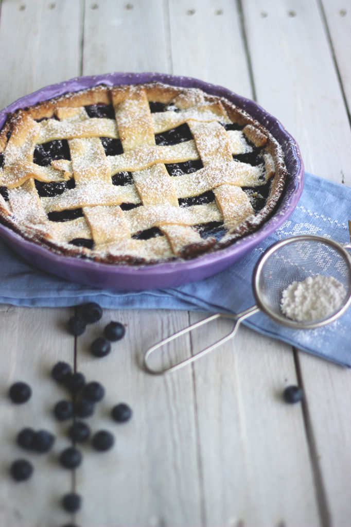 Beerenkuchen mit Mürbeteig: Einfacher schwedischer Blaubeerkuchen in der Tarteform