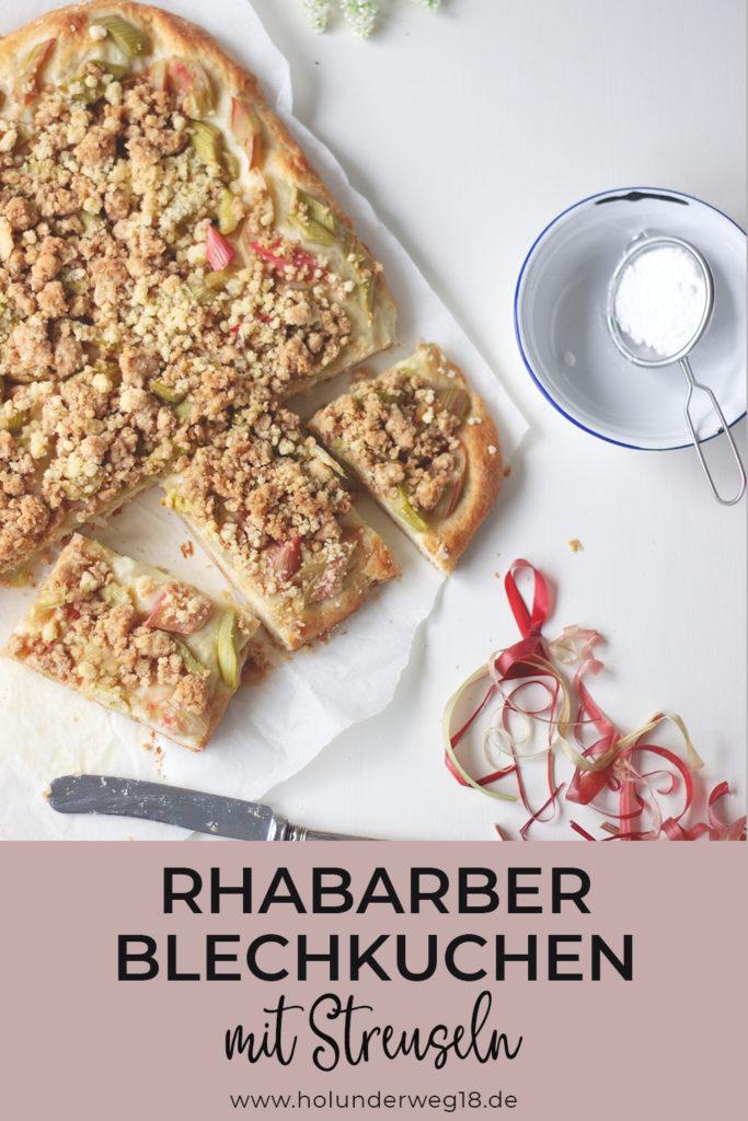 Rhabarber-Blechkuchen_ Rhabarber-Buttermilch-Streuselkuchen mit Hefeteig