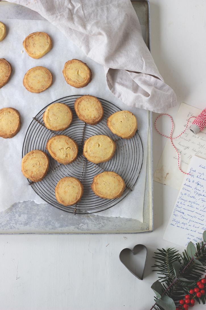 Mandel-Marzipan-Plätzchen - einfache Weihnachtsplätzchen aus Mürbeteig ohne Ausstechen
