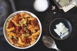 einfaches Rezept für vegetarische Bolognese: Tofu-Bolognese
